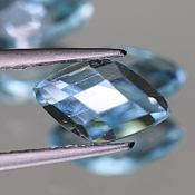 ok. 0,75ct/1szt. - TOPAZ NAT.- 7,5x6,5/2,3mm markiza