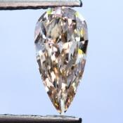 0,51 ct ~ 8.89 x 4.37 x 2.06 mm ~ diament barwny, szlif gruszka brylantowy ~ barwa jasny różowawo brązowy (Fancy Light Pinkish Brown) ~ czystość SI2