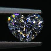 1,01 ct ~ 5.83 x 7.06 x 4.12 mm ~ diament biały, szlif serce brylantowy ~ barwa E ~ czystość VS1