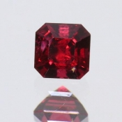 ok. 0,415ct/szt. - SPINEL NAT.- 3,97x4,01/3,11mm kwadrat
