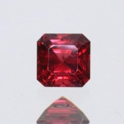 ok. 0,345ct/szt. - SPINEL NAT.- 3,82x3,84/2,68mm kwadrat