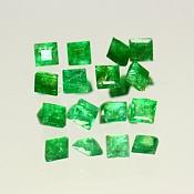 ok. 0,04ct/1szt. -CENNY SZMARAGD NAT.- 2,1x2,1/1,6mm (+/-0,1mm) kwadrat